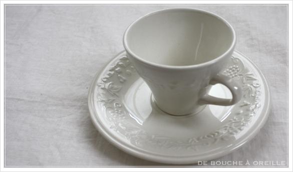 tasse et soucoupe anncienne サルグミンヌのカップ&ソーサー Sarreguemines フランスアンティーク_d0184921_17481912.jpg