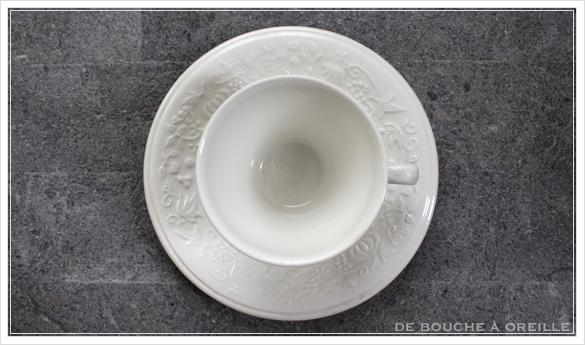 tasse et soucoupe anncienne サルグミンヌのカップ&ソーサー Sarreguemines フランスアンティーク_d0184921_18010728.jpg