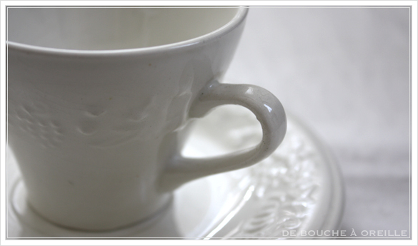 tasse et soucoupe anncienne サルグミンヌのカップ&ソーサー Sarreguemines フランスアンティーク_d0184921_18043856.jpg