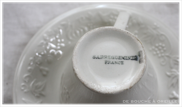 tasse et soucoupe anncienne サルグミンヌのカップ&ソーサー Sarreguemines フランスアンティーク_d0184921_18100014.jpg