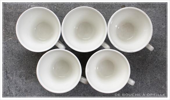tasse et soucoupe anncienne サルグミンヌのカップ&ソーサー Sarreguemines フランスアンティーク_d0184921_18121649.jpg