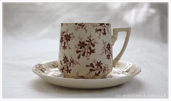 tasse et soucoupe anncienne サルグミンヌのカップ&ソーサー Sarreguemines フランスアンティーク その2_d0184921_15490459.jpg