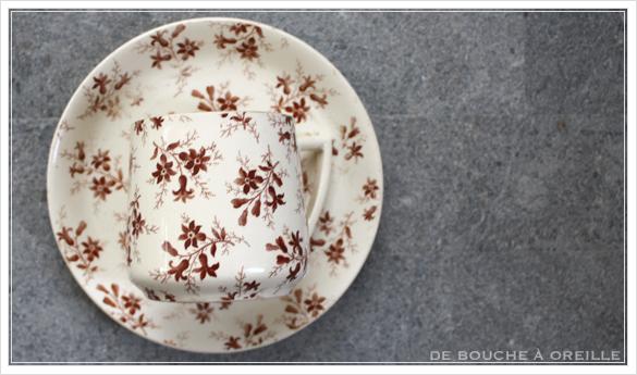 tasse et soucoupe anncienne サルグミンヌのカップ&ソーサー Sarreguemines フランスアンティーク その2_d0184921_15544855.jpg