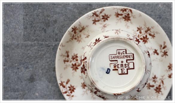 tasse et soucoupe anncienne サルグミンヌのカップ&ソーサー Sarreguemines フランスアンティーク その2_d0184921_15594965.jpg