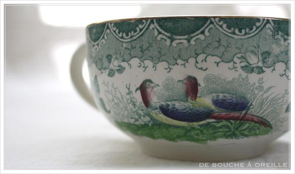 tasse et soucoupe anncienne サルグミンヌのカップ&ソーサー Sarreguemines フランスアンティーク その3_d0184921_16571116.jpg