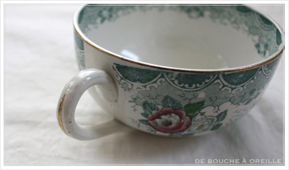 tasse et soucoupe anncienne サルグミンヌのカップ&ソーサー Sarreguemines フランスアンティーク その3_d0184921_17085779.jpg