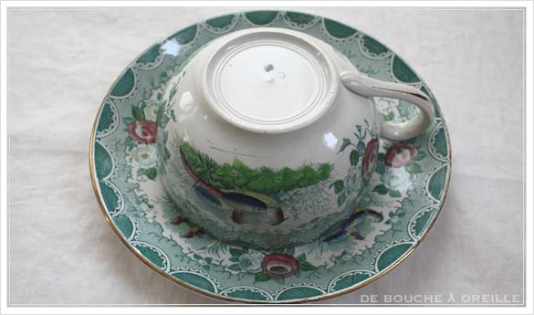 tasse et soucoupe anncienne サルグミンヌのカップ&ソーサー Sarreguemines フランスアンティーク その3_d0184921_17115735.jpg