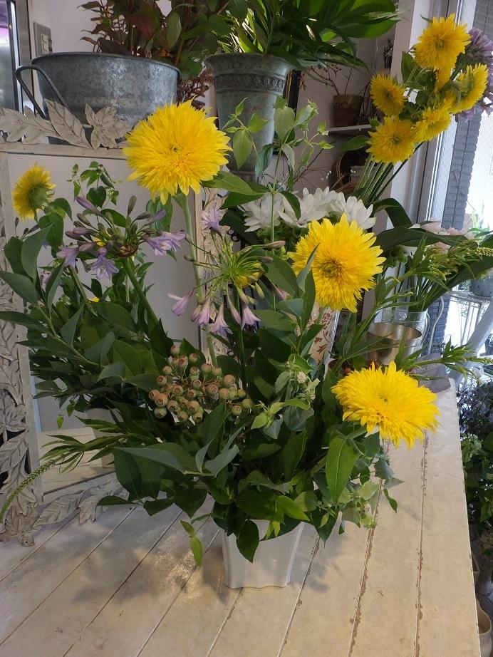 オークリーフ花の教室(大草さんと清水さんの作品)_f0049672_19294542.jpg