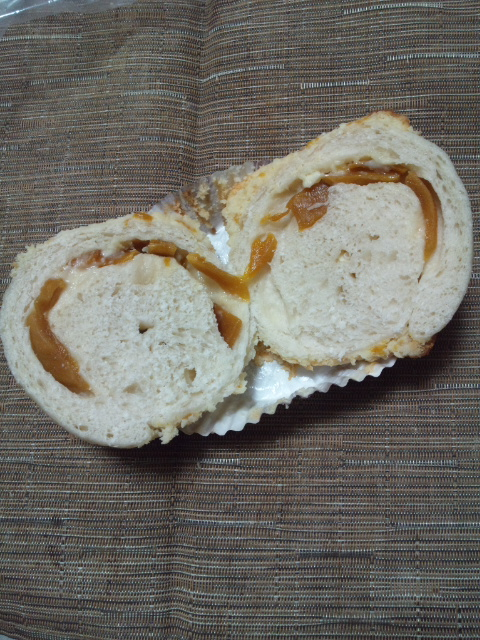 roll マンゴーチーズケーキ(もっちり)_f0076001_22423850.jpg