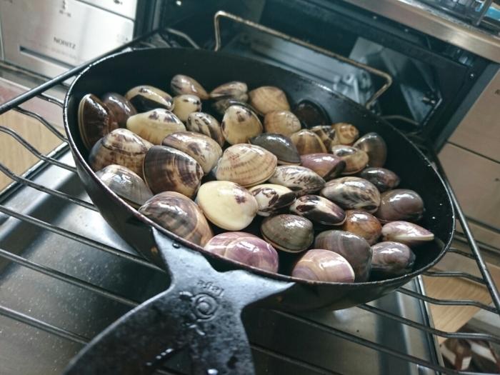 ガスコンで国産ハマグリの簡単グリルのレシピ~九十九里浜ではハマグリが大漁らしい。_b0221506_07501702.jpg