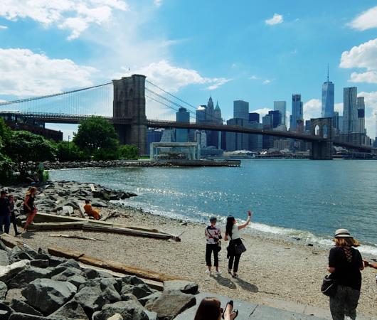 廃墟になった倉庫街から、すっかり生まれ変わったブルックリンのDUMBO_b0007805_23195489.jpg