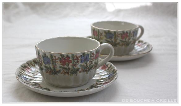 tasse et soucoupe anncienne サルグミンヌのカップ&ソーサー Sarreguemines フランスアンティーク その4_d0184921_16522087.jpg