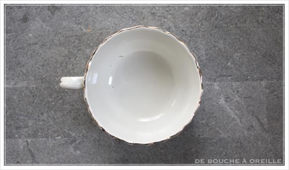 tasse et soucoupe anncienne サルグミンヌのカップ&ソーサー Sarreguemines フランスアンティーク その4_d0184921_17115306.jpg