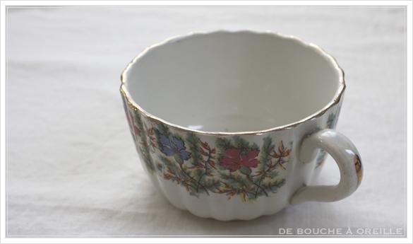 tasse et soucoupe anncienne サルグミンヌのカップ&ソーサー Sarreguemines フランスアンティーク その4_d0184921_17143502.jpg