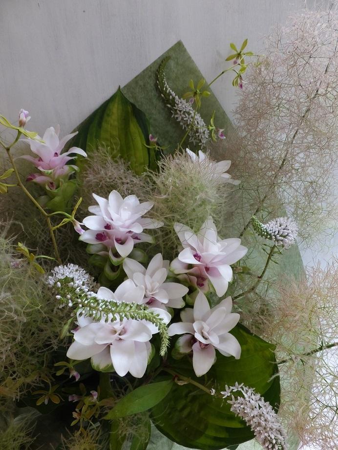 オークリーフ(白が基調の花束)_f0049672_13390582.jpg
