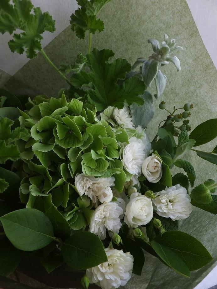 オークリーフ(白が基調の花束)_f0049672_13393573.jpg