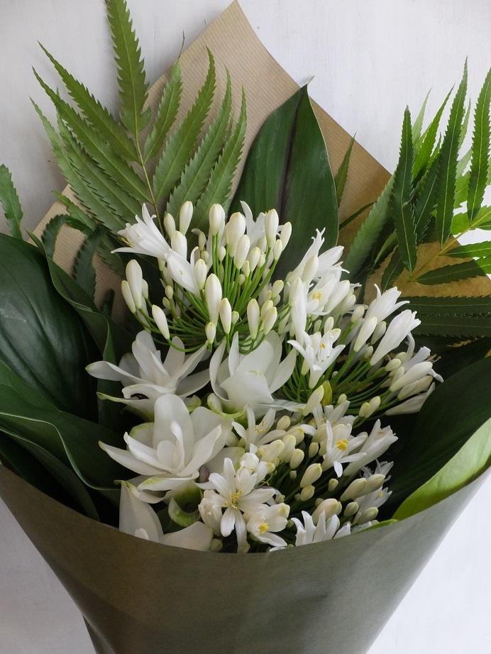 オークリーフ(白が基調の花束)_f0049672_13403506.jpg