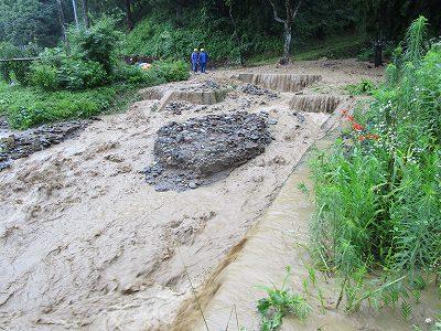 黒沢土砂流出で新町浸水_f0019487_1624762.jpg