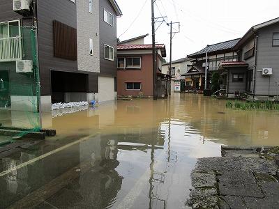 黒沢土砂流出で新町浸水_f0019487_1642496.jpg
