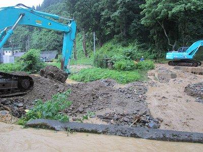 黒沢土砂流出で新町浸水_f0019487_166690.jpg