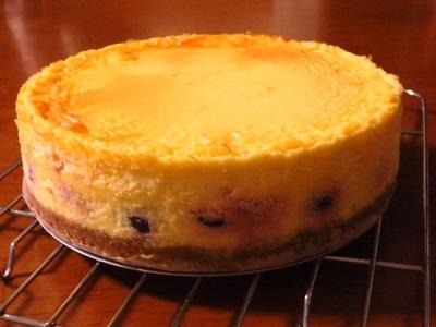 久しぶりのベイクドチーズケーキ♪_f0231189_21553866.jpg