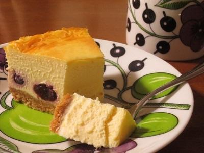 久しぶりのベイクドチーズケーキ♪_f0231189_22225539.jpg