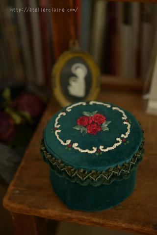 『花刺繍のジュエリーボックス 』favori4号掲載作品_a0157409_10095574.jpg