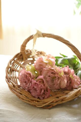 今月のアトリエでは八重咲きのリシアンサスが楽しませてくれました_a0157409_10450323.jpg