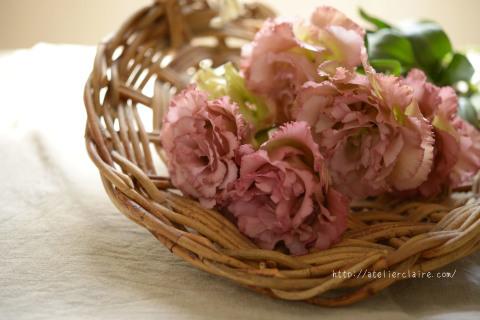 今月のアトリエでは八重咲きのリシアンサスが楽しませてくれました_a0157409_10451620.jpg
