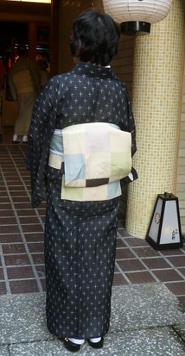 上七軒ビアガーデンのお客様・能登上布に絽の染め帯。_f0181251_11392938.jpg