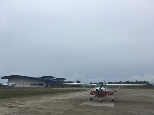 マアシン空港にも立派なターミナル_f0210164_10263043.jpg