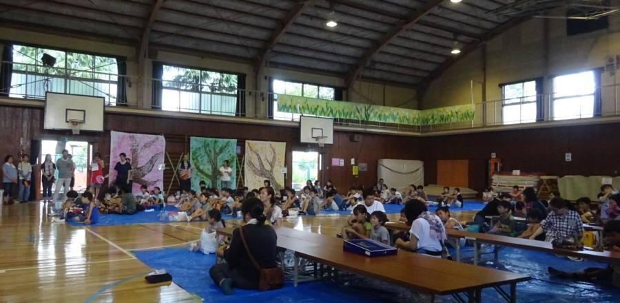 小学校地区のイベント_f0059673_00174232.jpg