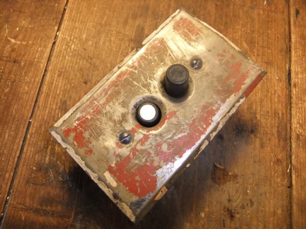 アンティークプッシュボタンスイッチ 真鍮プレート _d0335577_21244615.jpg