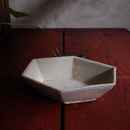 上野さんの粉引き六面鉢_b0322280_20412355.jpg