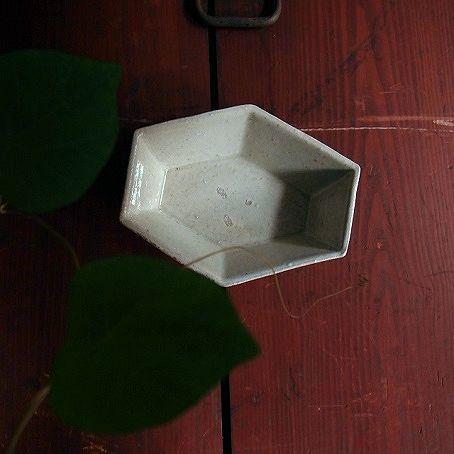上野さんの粉引き六面鉢_b0322280_20413498.jpg