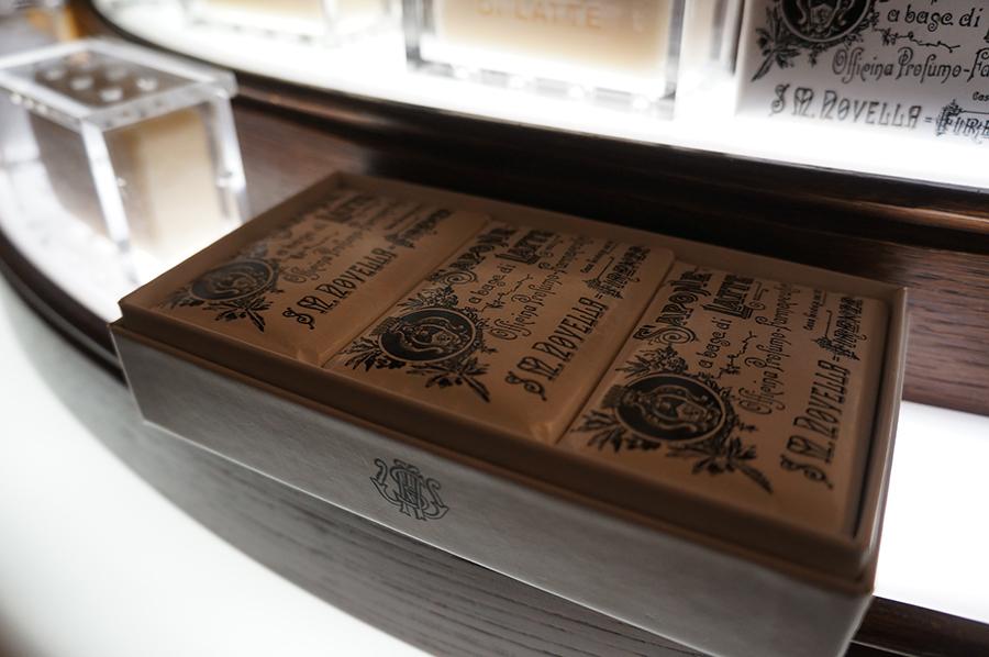 「世界最古の現存する薬局〜サンタマリアノヴェッラ薬局」の裏話_f0106597_05164462.jpg