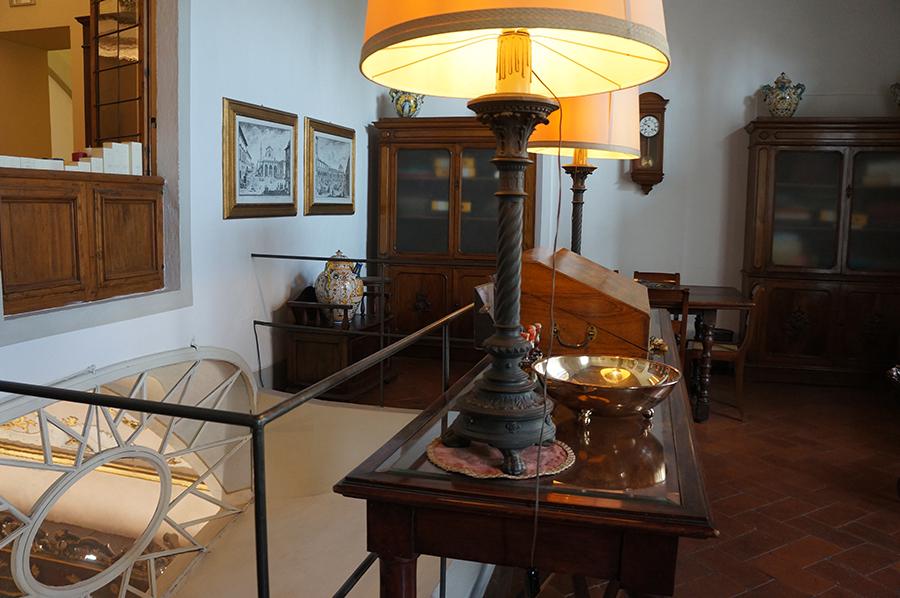 フィレンツェの歴史的建造物の保存〜サンタマリアノヴェッラ薬局の場合_f0106597_06553506.jpg