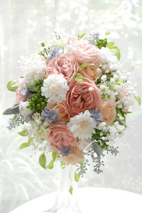 ベージュピンクオールドローズとかすみ草のオーバルブーケ!_a0136507_22311021.jpg