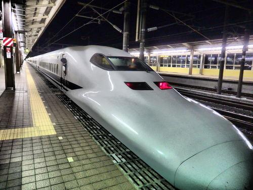 新幹線という山梨にない乗り物_f0325525_2328491.jpg