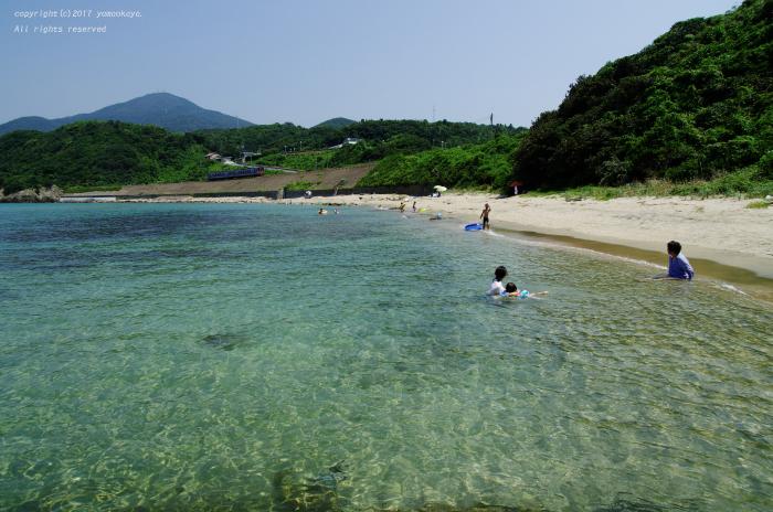 澄んだ海辺で_d0309612_23404647.jpg