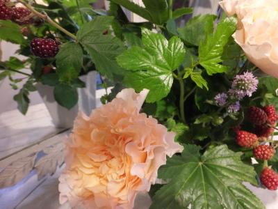 オークリーフ花の教室(小川さんの作品)_f0049672_16230645.jpg