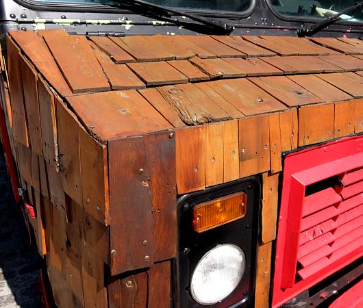 たぶん、NYでもなかなか珍しい板張りのアイスクリーム・トラック_b0007805_6302098.jpg