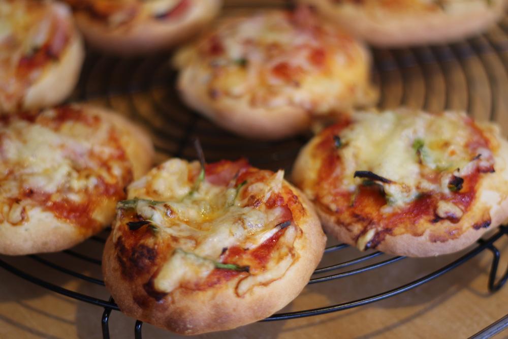 子供たちとピザ作り_c0199544_13453732.jpg
