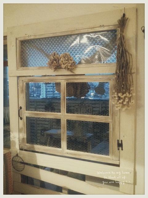 スモールガーデンをお部屋の中から楽しむために窓枠DIY♪_c0325873_19591273.jpg