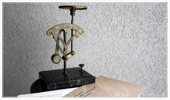 pèse-lettre ancien レタースケール 秤 ペーズレットル フランスアンティーク その2_d0184921_15254753.jpg