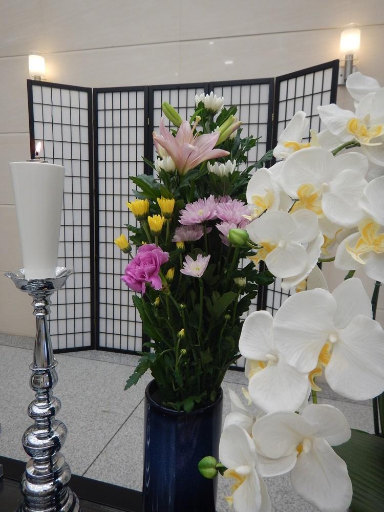 火葬にハチ退治_c0111229_18424451.jpg