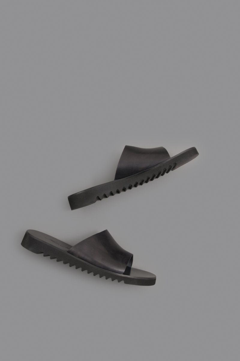 NUOVO NICAR  Leather Sandals (Black)_d0120442_1464276.png