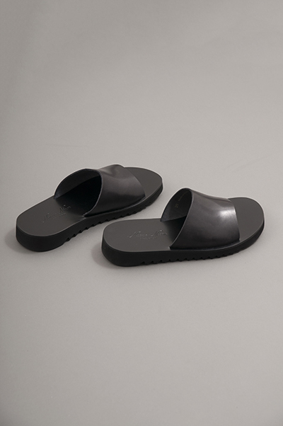 NUOVO NICAR  Leather Sandals (Black)_d0120442_147076.jpg
