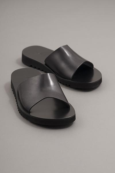 NUOVO NICAR  Leather Sandals (Black)_d0120442_147237.jpg