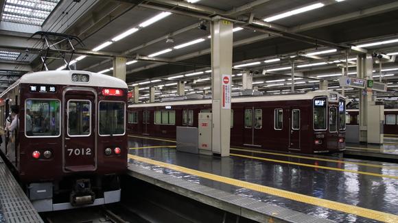 阪急7012F 10連固定解除_d0202264_18181311.jpg